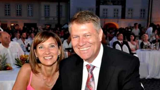 Ce salariu are Carmen Iohannis! Șeful statului câștigă într-o lună cât soția sa într-un an