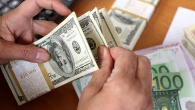 CURS BNR. Dolarul s-a apreciat la un nivel record faţă de leu