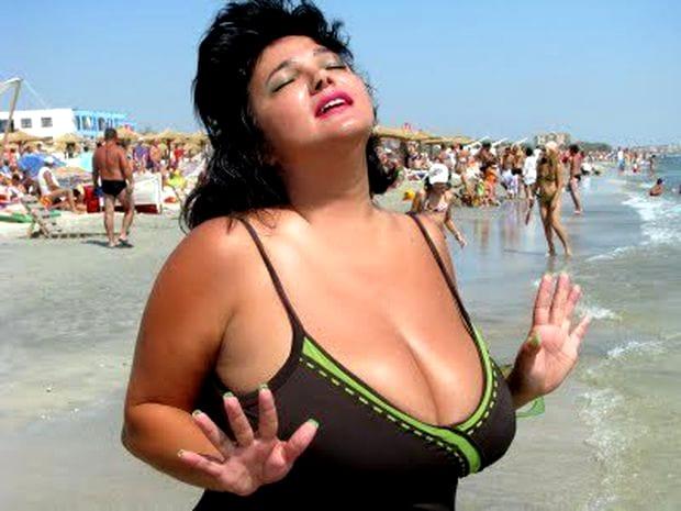 Ozana Barabancea, sexy printre așternuturi! Cum s-a pozat vedeta, după ce a slăbit și s-a operat