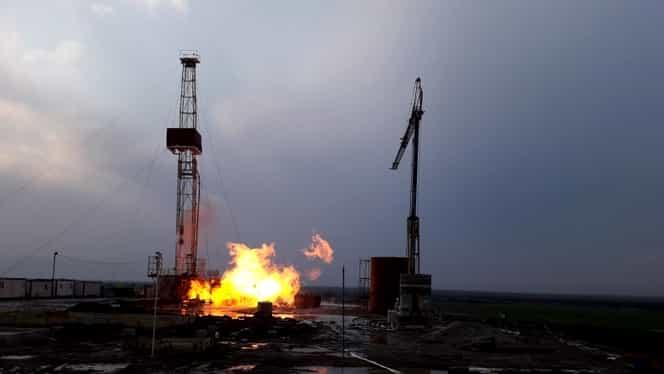 Incendiul de la sonda de gaz s-a stins singur, după 18 zile! Autorităţile l-ar putea reactiva!