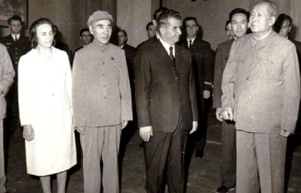 Nicolae Ceaușescu și marele prieten Mao Zedong, părintele poporului chinez, în China, în 1971