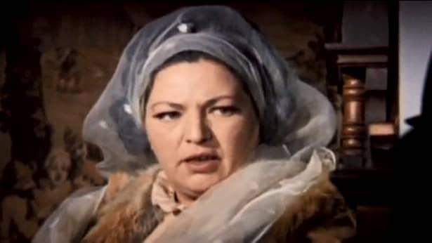 Draga Olteanu-Matei a slăbit mult! De-abia o mai recunoști. Doar râsul inconfundabil mai amintește de fosta glorie a cinematografiei și a teatrului românesc. Actrița nu mai vrea atenție. Vrea să fie lăsată în ăpace, la poale de munte, acolo unde s-a stabilit de câțiva ani. A acordat totuși un interviu.