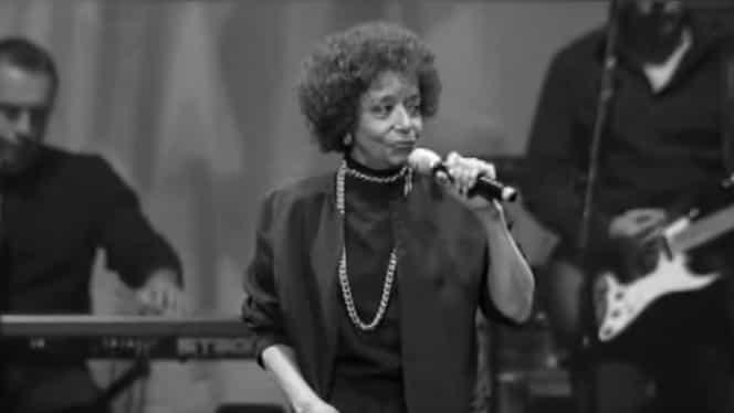 Cântăreața Nancy Holloway a încetat din viață. Doliu în lumea muzicii