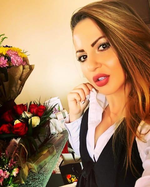 """De ce a fost concediată fiica """"desfrânată"""" a unui cunoscut primar din județul Argeș"""
