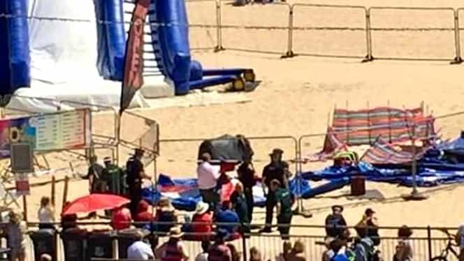 Cutremurător! O fetiță a murit după ce un castel gonflabil a explodat