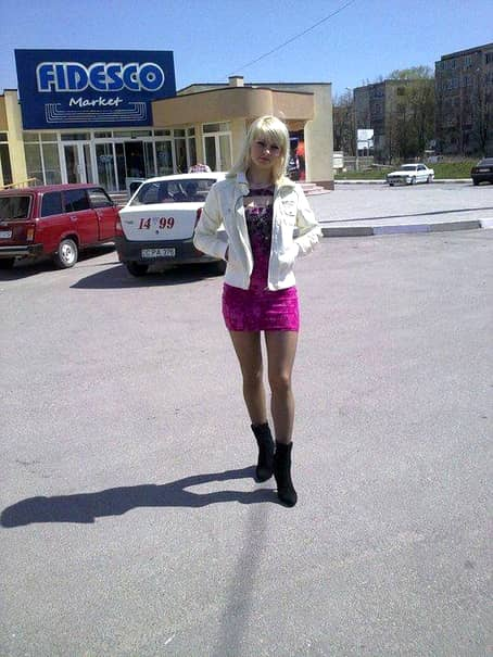 """GALERIE FOTO WOW! MOLDOVEANCA asta este considerată CEA MAI SEXI JUDECĂTOARE din lume! Ce poze şi-a pus pe facebook: """"Arăţi ca o…"""""""