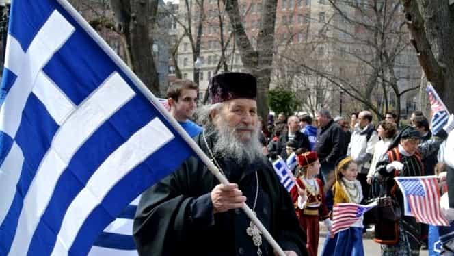 Scandal în Biserica Ortodoxa. Toți preoții din Grecia au fost taxați serios de guvernul elen. 10.000 de posturi desfințate