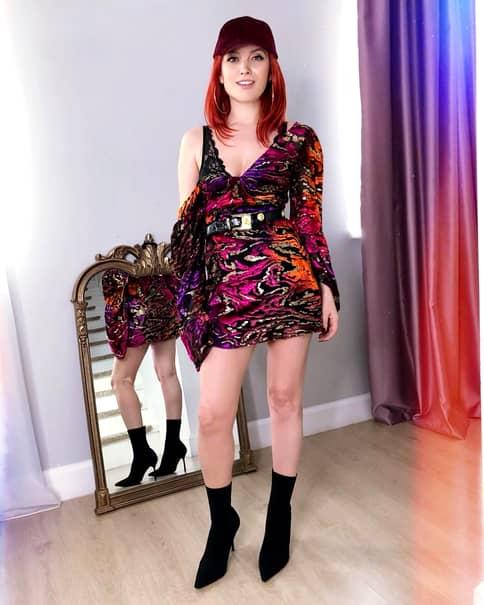Elena Gheorghe, o mămică sexy! S-a recuperat remarcabil după cele două sarcini!