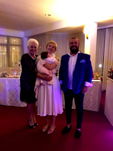 Dana Grecu și-a botezat copilul! Iată cum a fost îmbrăcată prezentatoarea