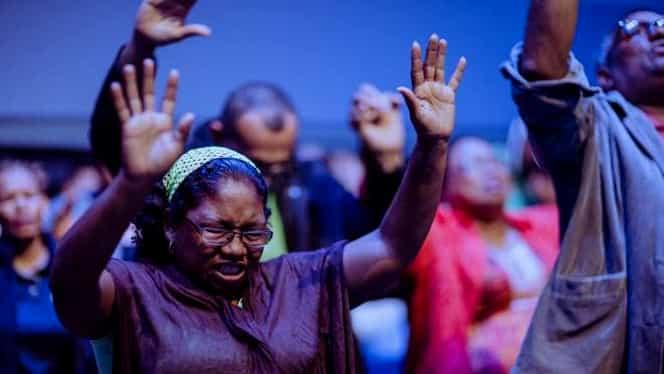 Busculadă la o slujbă religioasă din Tanzania. 20 de oameni au murit, iar 16 au fost răniţi