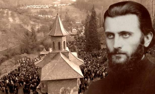 """Spiritul lui Arsenie Boca aduce sute de mii de oameni în fiecare an la Prislop, unde vin să spună rugăciuni la mormântul """"Sfântului Ardealului"""" și s-și găsească liniștea sufletului"""