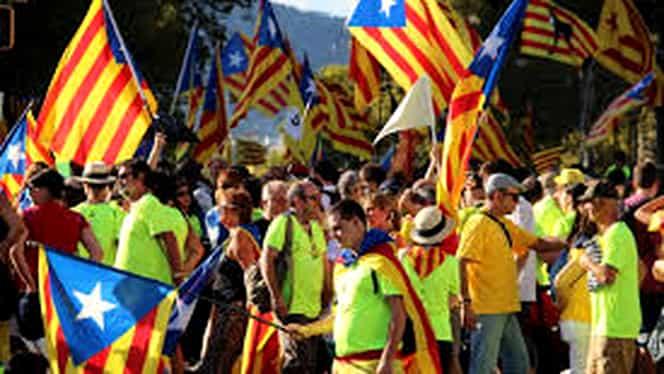Principalele bănci din Spania părăsesc Catalonia! Au motive serioase