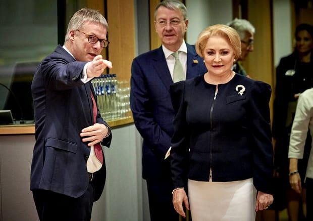 Cadoul inedit pe care l-a oferit Viorica Dăncilă oficialilor europeni