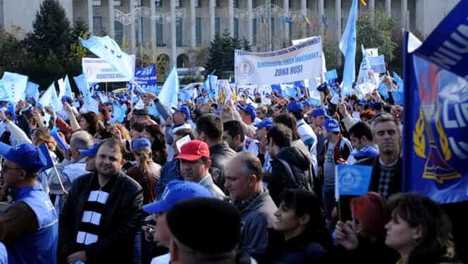 """Mii de salariaţi din Educaţie, gata să iasă în stradă, nemulţumiţi de """"revoluţia fiscală"""""""