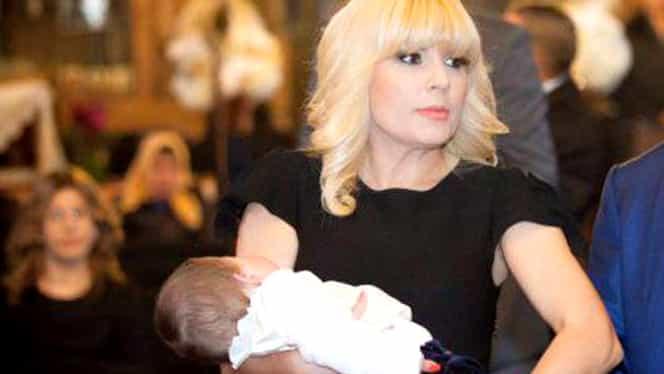 Tricolorul, arborat pe clinica unde a născut Elena Udrea primul copil! Cât a scos din buzunar mămica!