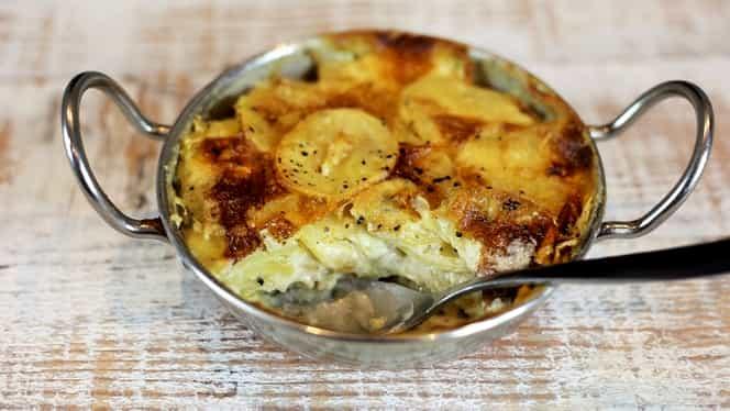 Rețeta zilei de azi, 7 octombrie: cartofi franțuzești la cuptor, deliciu garantat!