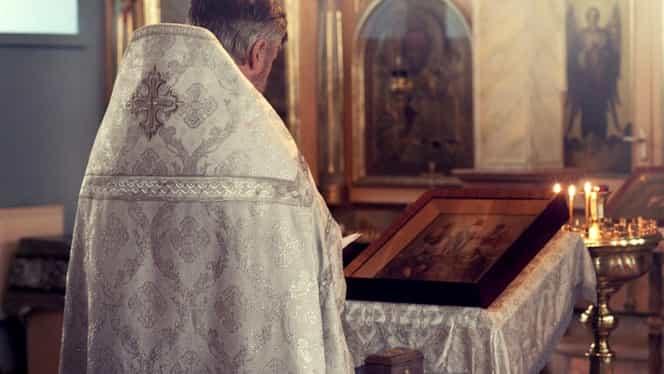 Câți bani ia, de regulă, un preot pentru o înmormântare în București. Tariful diferă față de cel de la sat