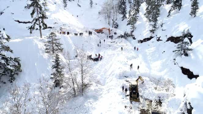 Două avalanșe în Turcia au dus la un adevărat dezastru. Sunt cel puțin 40 de morți. VIDEO