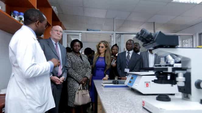Doi medici au fost arestaţi după ce au cerut şi au primit şpagă de la ministrul Sănătăţii!