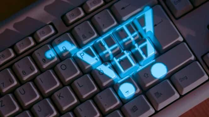 """Cumpărăturile online s-au schimbat definitiv! Reguli clare pentru siteurile care se laudă cu """"cel mai bun preț"""""""
