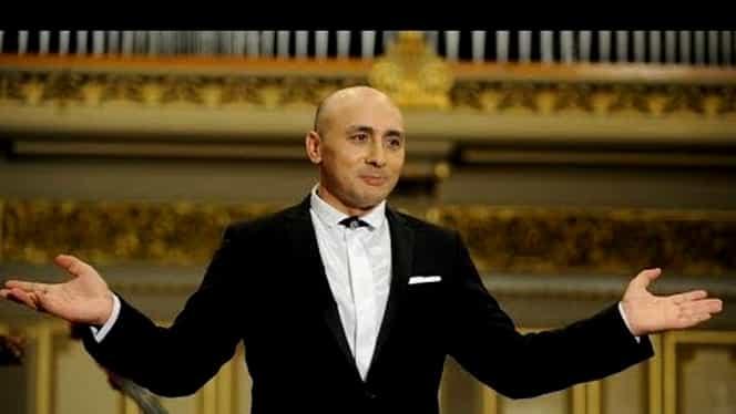 """Moment emoționant oferit de Marcel Pavel în noaptea de Înviere! Artistul a cântat """"Hristos a Înviat"""" din balconul casei VIDEO"""