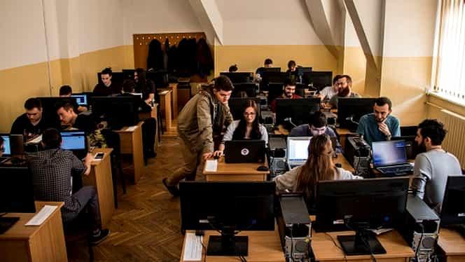 Universitatea din București vrea să organizeze examenele de licență on-line. Bacalaureatul ar putea fi amânat