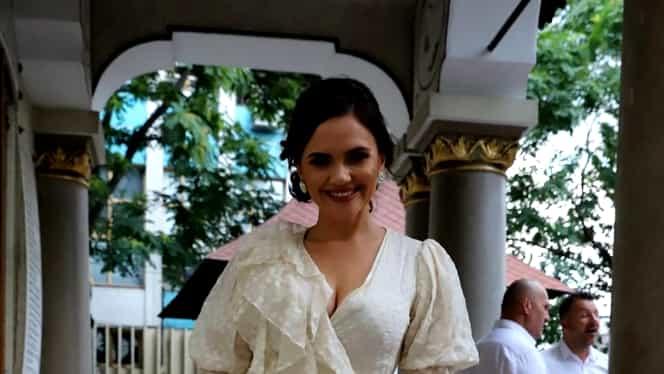 Ce gafă a făcut Cristina Şişcanu la nunta Adelinei Pestriţu! Toţi au observat asta