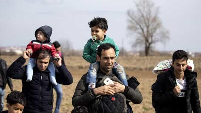 Lupte la granița Turciei cu Grecia! Polițiștii au folosit gaze lacrimogene împotriva migranților. Video