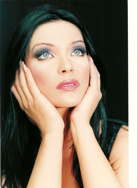 Eugenia Şerban a ajuns la vârsta de 49 de ani! Cum a ajuns să arate acum. Imagine realizată în timpul unei şedinţe foto din tinereţe