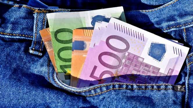 Curs valutar BNR azi, 24 ianuarie 2020. Cotațiile pentru euro și dolar de Mica Unire
