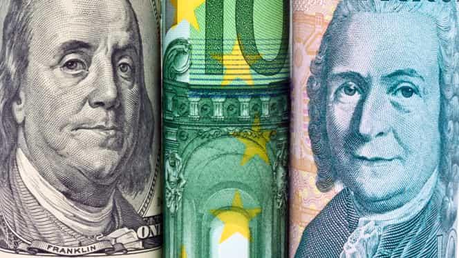 Curs valutar 7 ianuarie. Leul, în cădere liberă față de valuta preferată a românilor