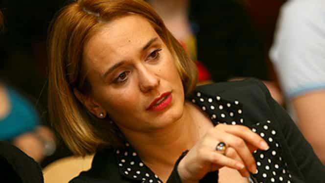 DOLIU! Andreea Esca, ÎNDURERATĂ de vestea TRAGICĂ