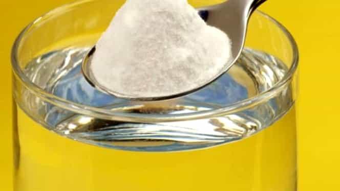 Bicarbonatul de sodiu, cea mai ieftină soluţie de curăţenie! Face minuni