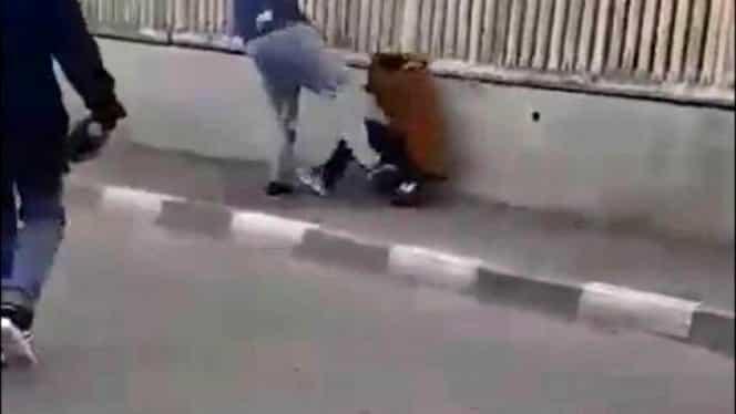 Scene revoltătoare în Huși! Copil de 12 ani, bătut cu bestialitate de șoferul unei ambulanțe VIDEO