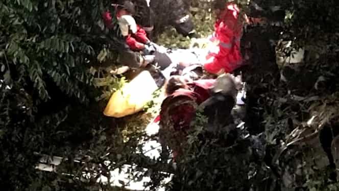 O mașină condusă de un șofer beat a derapat, 4 oameni ajungând la spital cu răni grave, iar una în stare critică