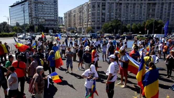 """Diaspora se pregătește de protest, în Piața Victoriei! Peste 80.000 de oameni protestează. Oamenii scandează """"Justiţie, nu corupţie!"""" și """"România, trezeşte-te!"""""""