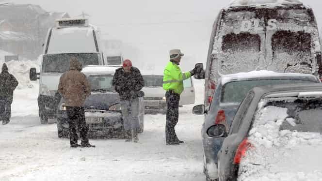 Prognoza meteo 15 februarie. Meteorologii anunţă ploi şi ninsori