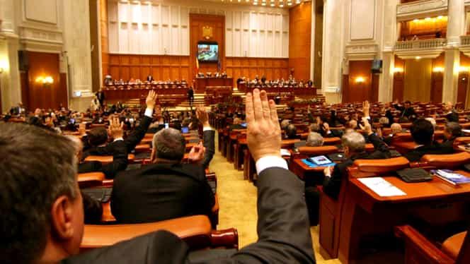 Breaking! Moţiunea de cenzură a PNL a picat! Liberalii mai aveau nevoie de 48 de voturi
