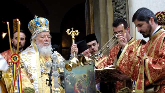 Ce salariu are un preot în 2020, în România. Câştigă în fiecare lună mult mai puţin bani decât te-ai fi aşteptat