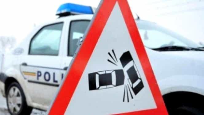Accident în Prahova: O persoană a fost rănită, după ce un autobuz cu muncitori a fost lovit de un TIR