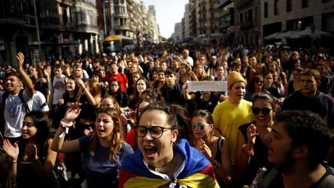 Arde din nou Catalonia. Oamenii au început să protesteze la Barcelona după ce liderii lor au fost condamnați la închisoare