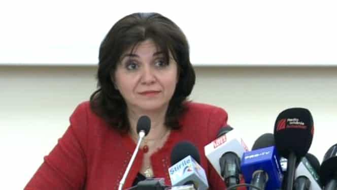 Lovitură pentru Monica Anisie. Patru asociații de elevi îi solicită să demisioneze de la Ministerul Educației