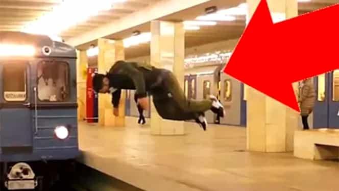 Un tânăr s-a aruncat în faţa metroului! Totul a fost filmat! Vezi imaginile