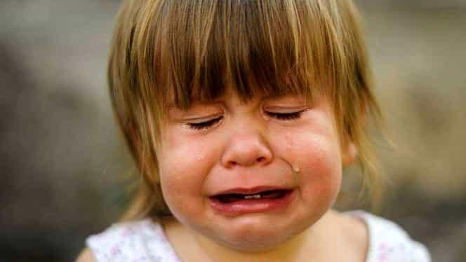O fetiţă de 4 ani din Buzău, dată afară de la serbare! Motivul e uluitor