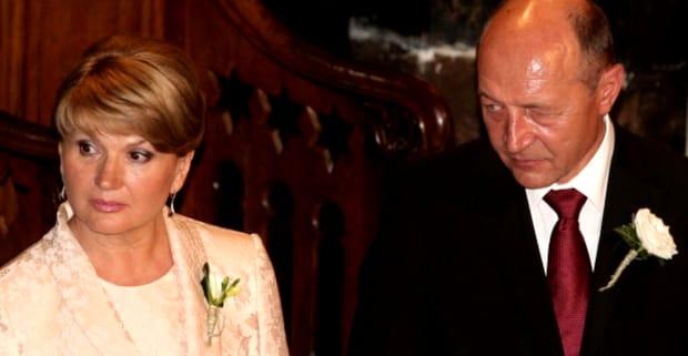 Maria Băsescu a fost una dintre aparițiile senzaționale ale botezului din acest weekend