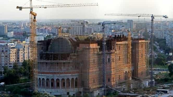 Constructorul Catedralei Neamului, amendat de ISU București cu 10.000 de lei
