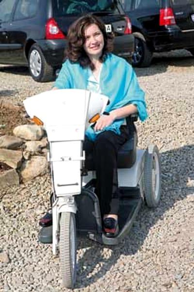 Femeia care a sfidat știința: a purtat trei sarcini în scaunul cu rotile
