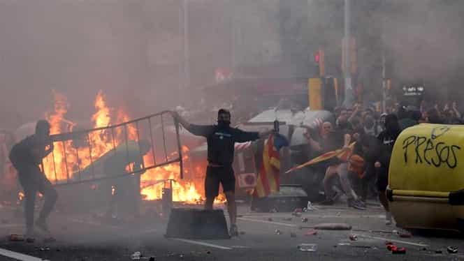 Dezvăluire incredibilă! Protestele din Catalonia ar fi coordonate de la București