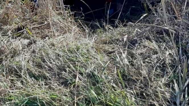 Accident grav în Bistrița! Cinci răniți după ce o mașină s-a răsturnat într-un pârâu