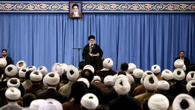 Un ministru din Iran are coronavirus. O înregistrare video îl arată pe demnitar cum transpiră necontrolat și tușește în timpul unei conferințe